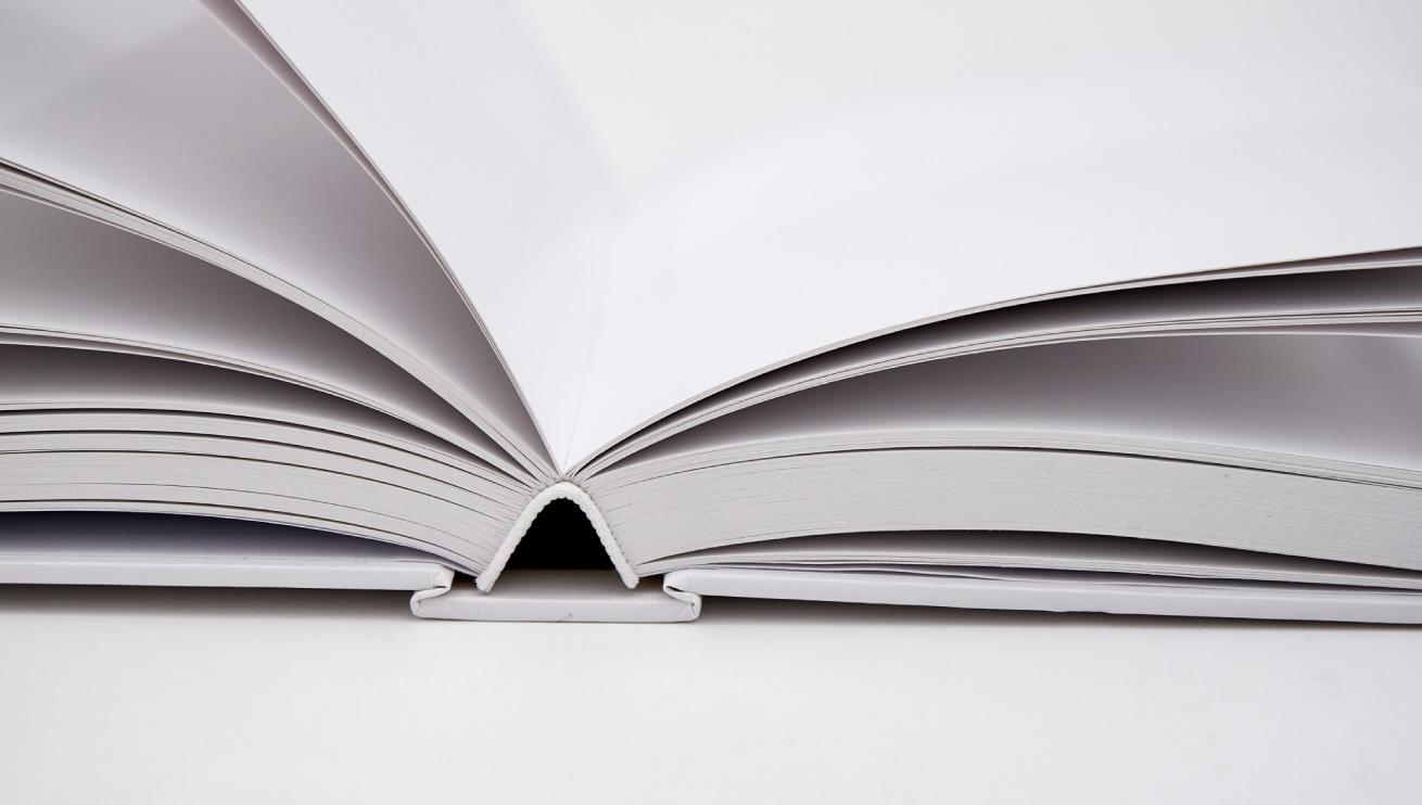 Mit Fadenheftung gebundenes Buch
